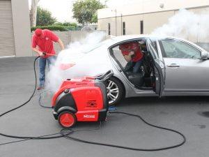 Dịch vụ chăm sóc xe bằng hơi nước nóng