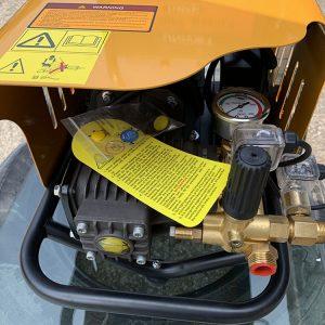 Máy rửa xe cao áp UNIVIET UV-1145TTS