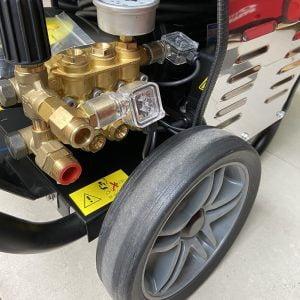 Máy rửa xe cao áp UNIVIET UV-2200TTS