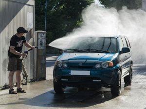 máy rửa xe ô tô