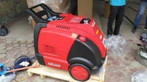 Máy rửa xe hơi nước nóng tại Phú Thọ