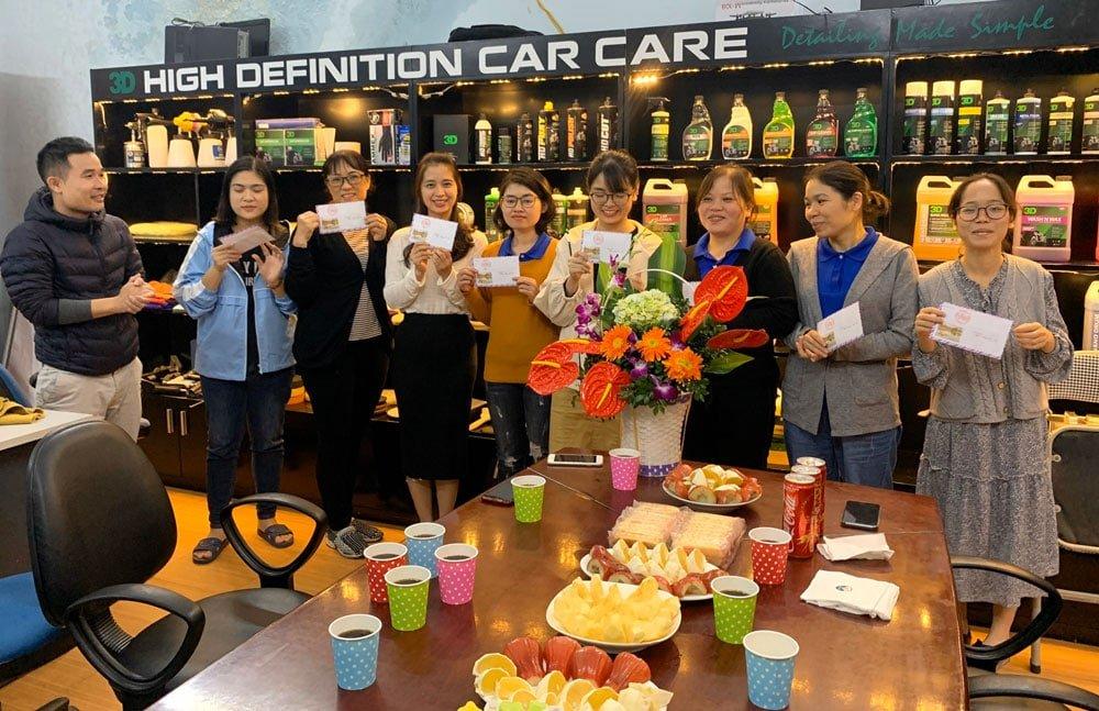 Chào mừng ngày 20 - 10 cùng Công ty Uni Việt