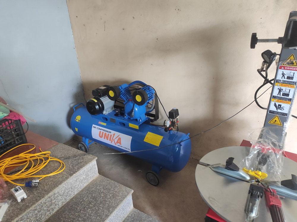 Máy nén khí Unika được lắp đặt tring Trung tâm chăm sóc xe