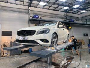 Hình ảnh rửa xe tại AeroWash - Chuỗi Rửa Xe Đúng Cách